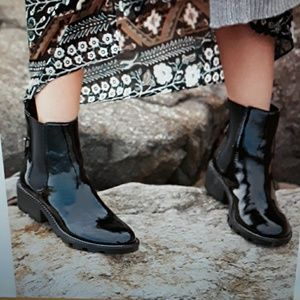 Kendall and Kylie  Porter  Booties size 10